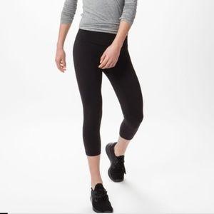 Lulu lemon black carpi leggings